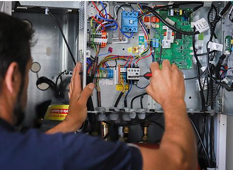 SMT Energies vous propose un contrat d'entretien pour votre pompe à chaleur